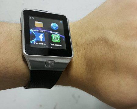 Умные наручные часы Smart Watch dz09 с AliExpress на руке