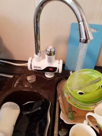 Электрический нагреватель воды с AliExpress в работе