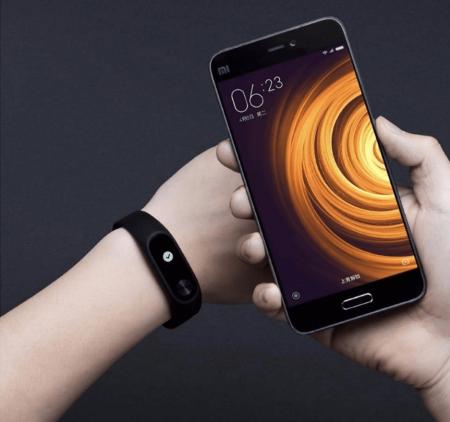 Фитнес-браслет Xiaomi Mi Band 2 с AliExpress на картинке