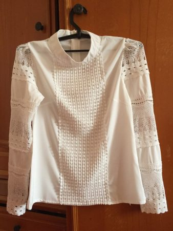 Женская блузка с длинным рукавом с AliExpress на вешалке