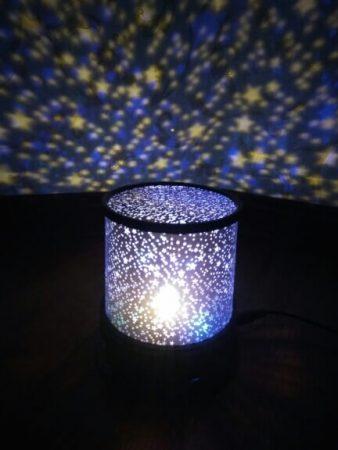 Мигающий ночник «Звёздное небо» с AliExpress включён