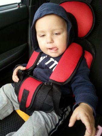 Детское автокресло с Aliexpress в машине