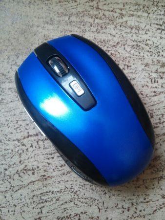 Беспроводная компьютерная мышь с AliExpress на фото