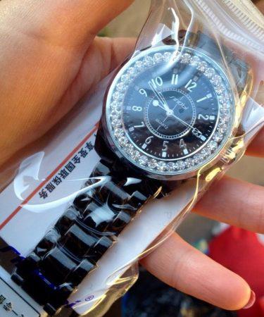 Модные женские часы с AliExpress в упаковке