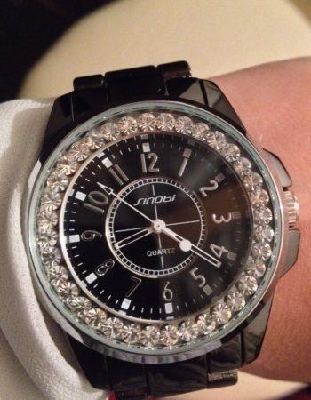 Модные женские часы с AliExpress на руке