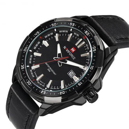 Мужские наручные кварцевые часы с AliExpress на картинке