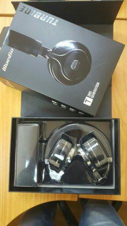 Bluetooth-наушники со встроенным микрофоном с AliExpress в коробке