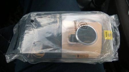 Автомобильный держатель для смартфона с AliExpress упаковка