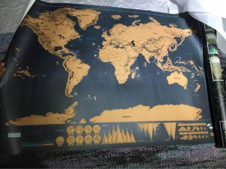 Карта мира со стираемым слоем с AliExpress в развёрнутом состоянии