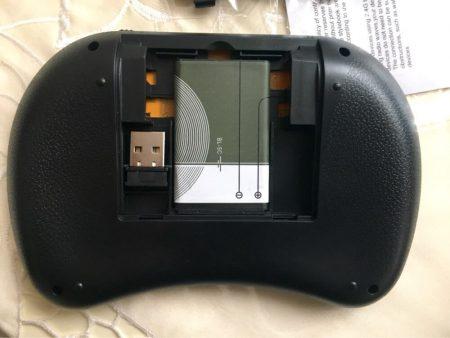 Беспроводная мини-клавиатура с AliExpress батарейка