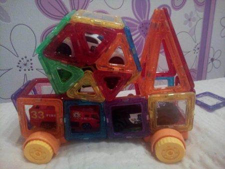 Детский магнитный конструктор с AliExpress машинка