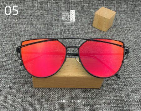 Стильные женские солнцезащитные очки с AliExpress на картинке