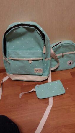 Комплект из трёх стильных женских сумок с AliExpress на столе