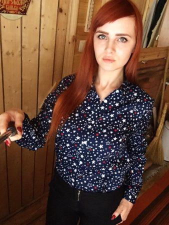 Модная женская рубашка с AliExpress на девушке