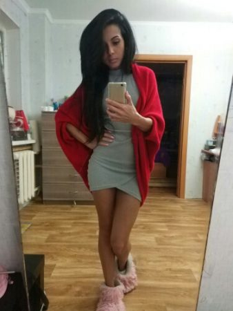 Стильный женский кардиган с AliExpress хорошее на красивой девушке