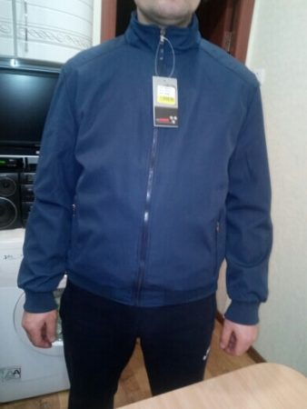 Мужская спортивная куртка с AliExpress на мне