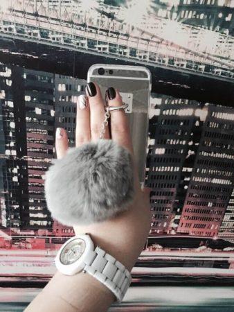 Силиконовый чехол с меховым шариком для iPhone с AliExpress на фото