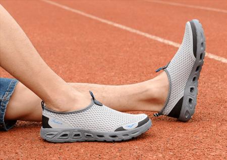 Стильные мужские кроссовки с AliExpress на картинке