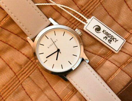 Стильные женские наручные часы с AliExpress на фото